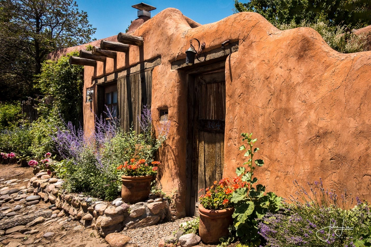 Adobe House Santa Fe (1 of 1)